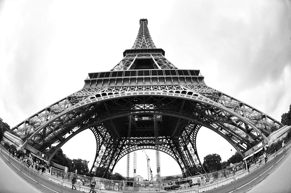 Eiffel_Paris_ExpatExplore