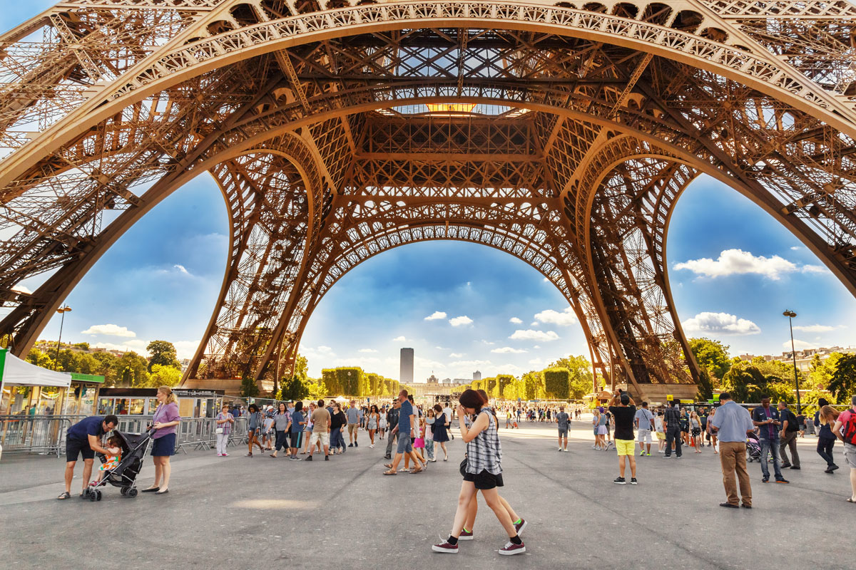 Eiffel_Tower_ExpatExplore