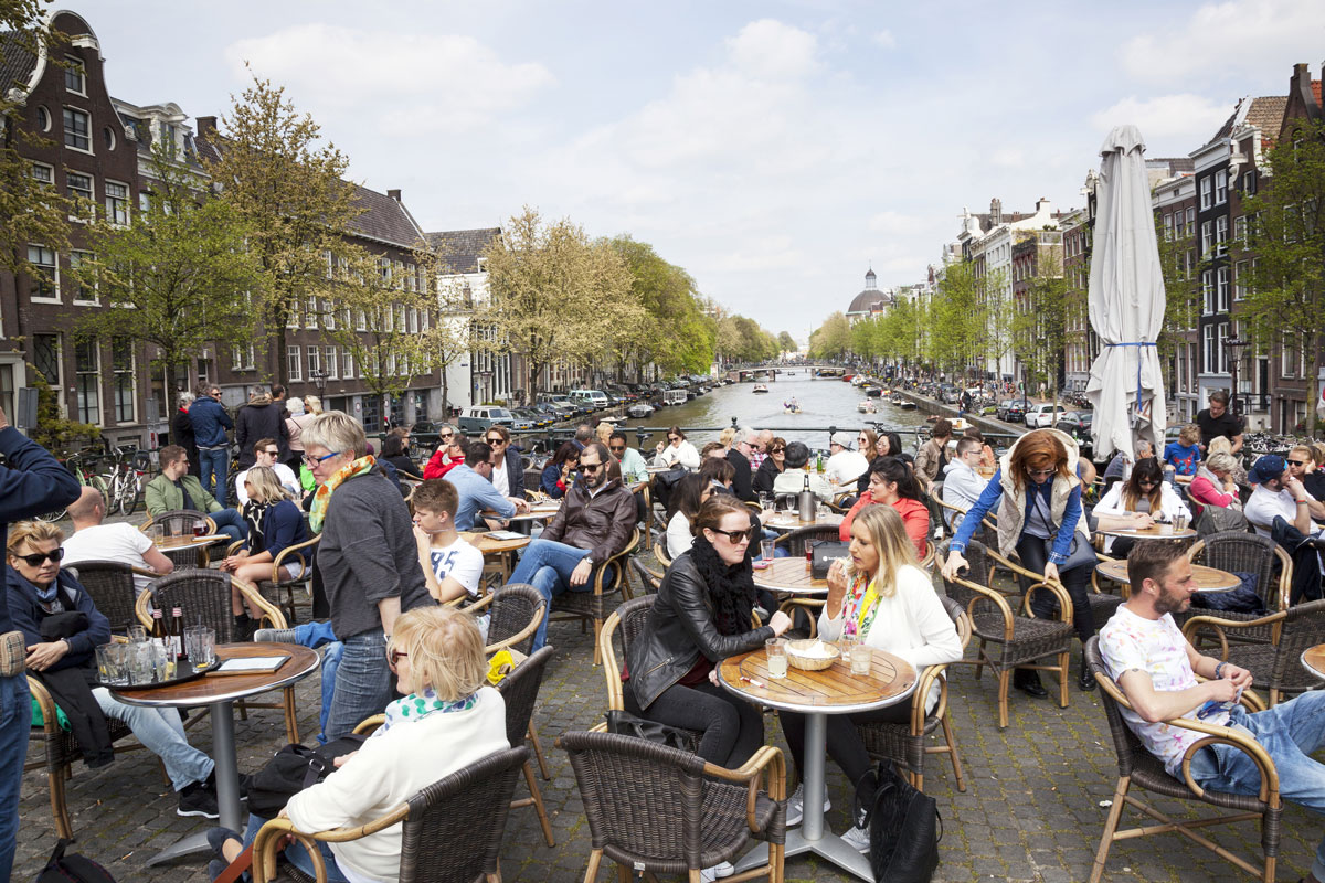 Amsterdam_Canal_Cafe