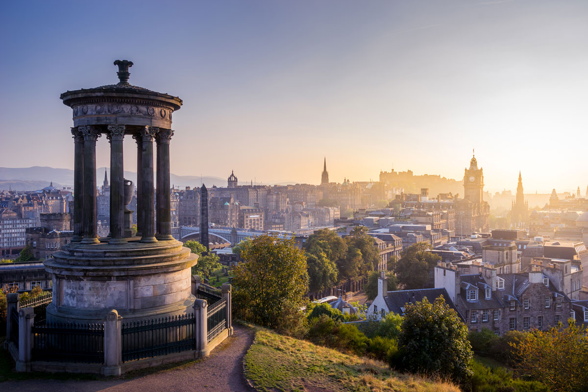 New Year's eve is a perfect opportunity to watch the sun rise over Edinburgh!