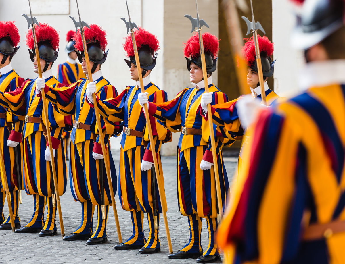 Swiss_Guard_Vatican_ExpatExplore