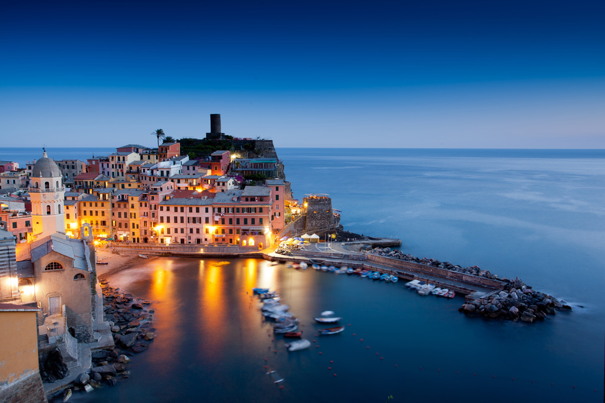 Vernazza_Night_ExpatExplore