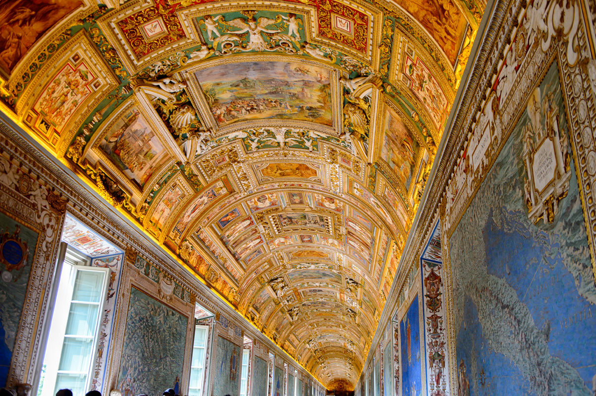 Wall_Ceiling_Paintings_Vatican_Museum_ExpatExplore