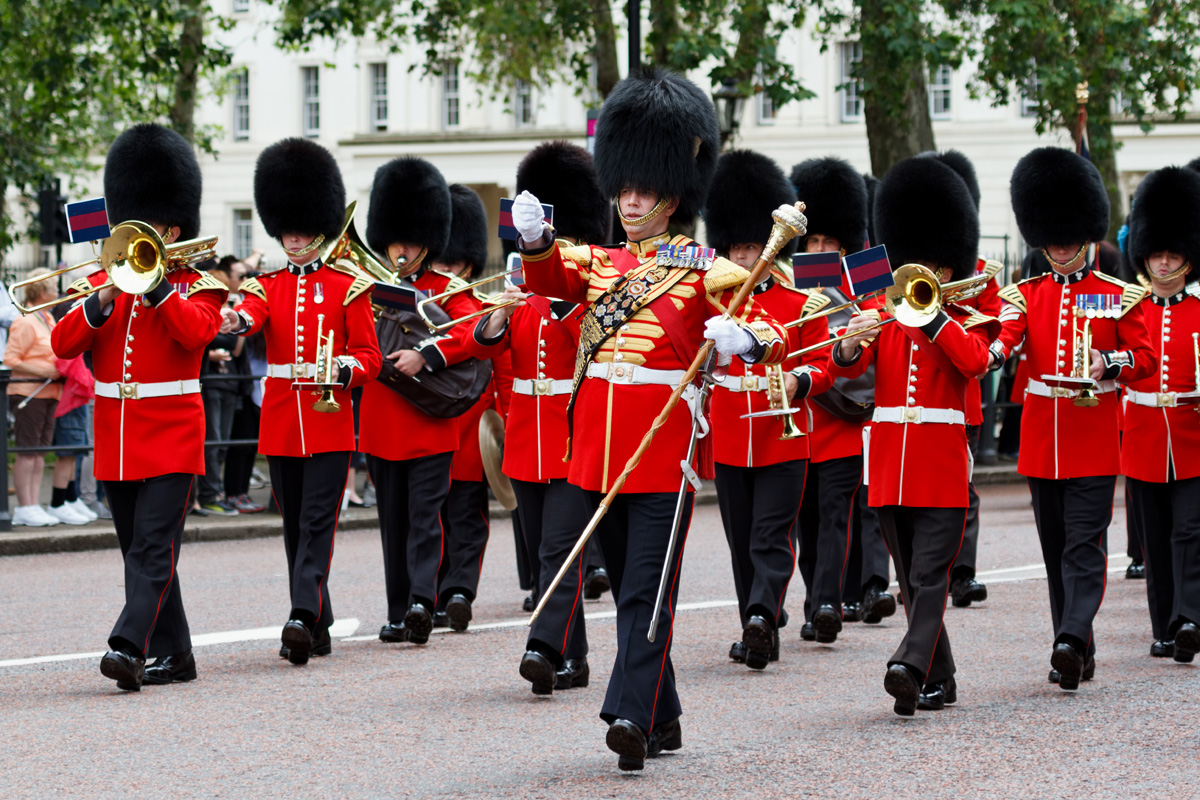 marching_bands_changin_guard_london_great_britain