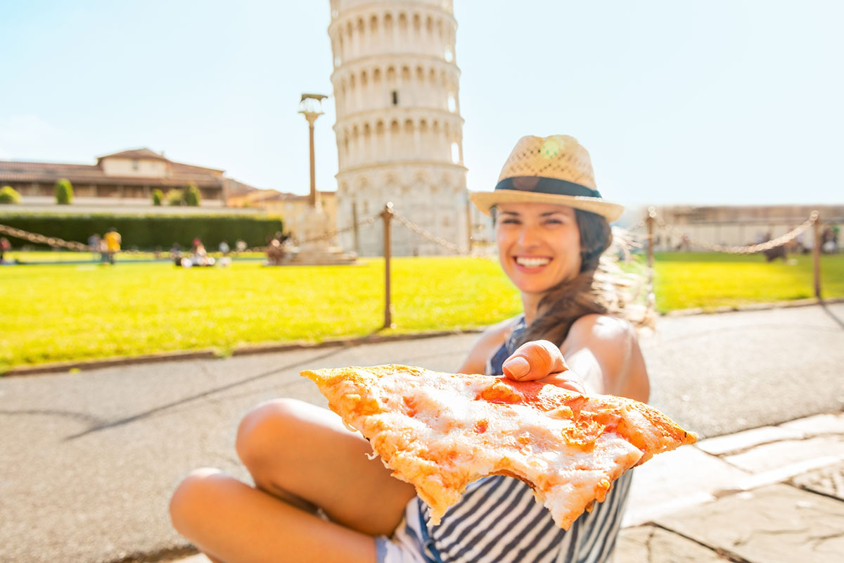 pizza in italy - Expat Explore