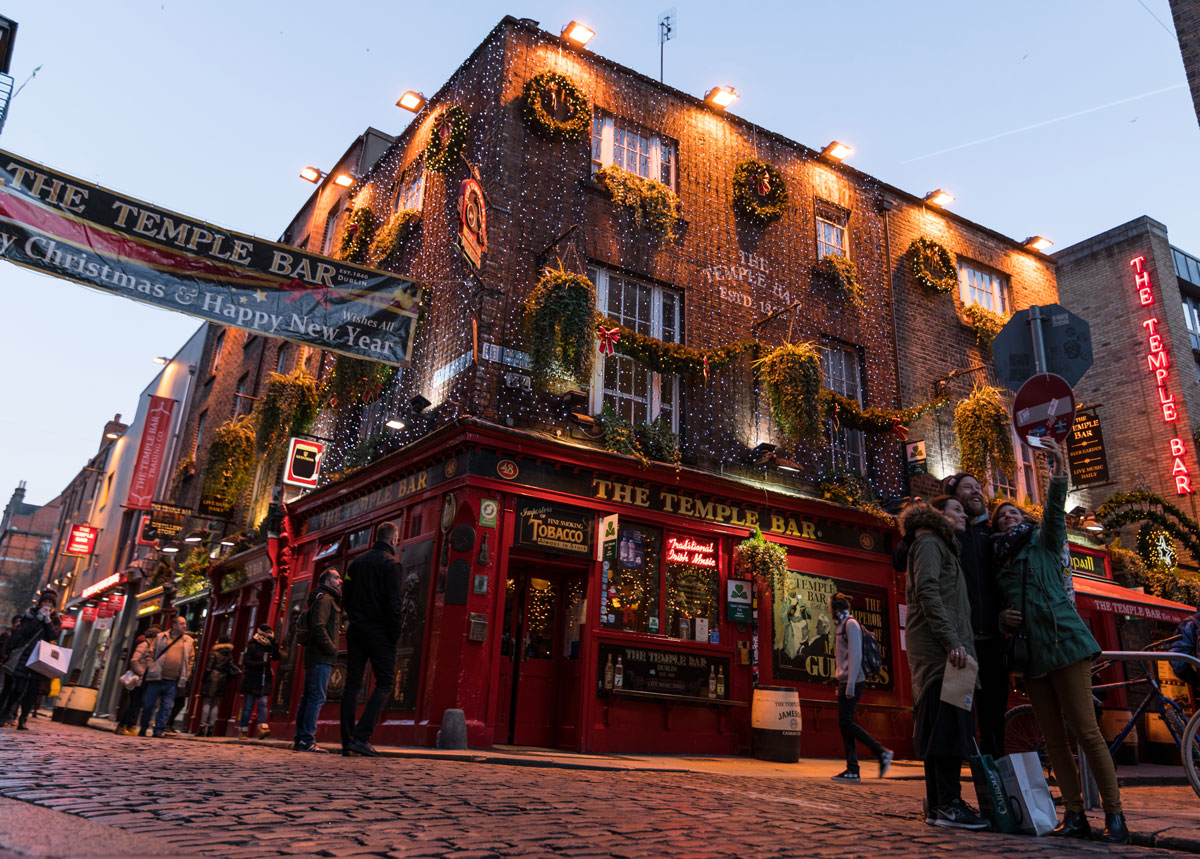 irish_pub_dublin_ireland_bucketlist