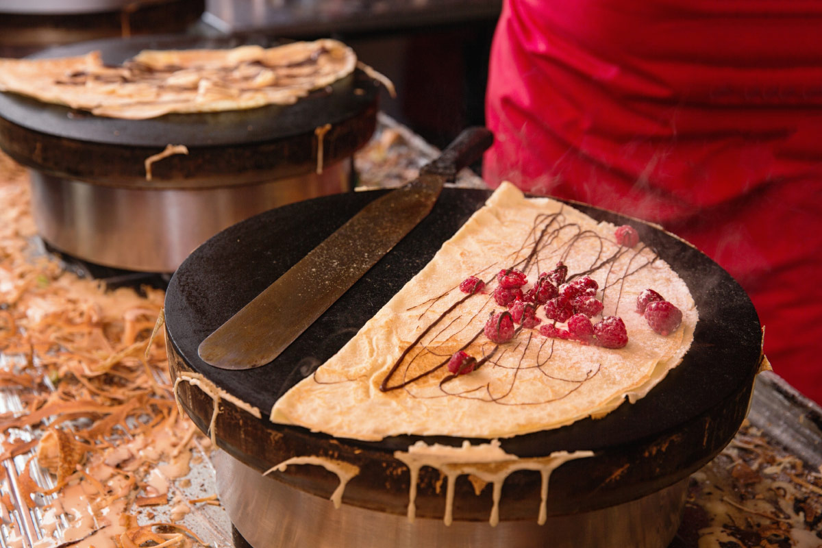 Freshly made crepe food bucket list