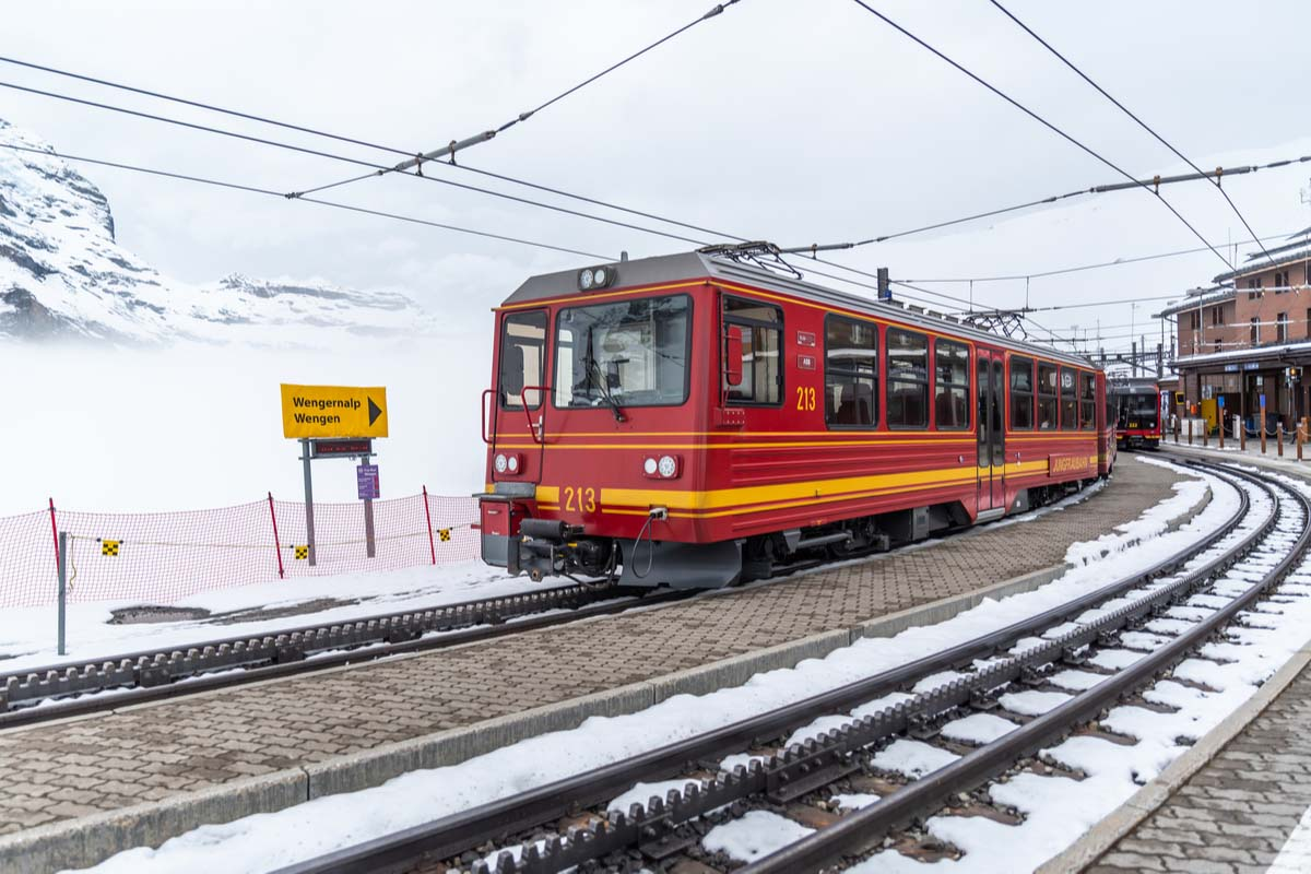 The train to Jungfrau making its way up the mountain