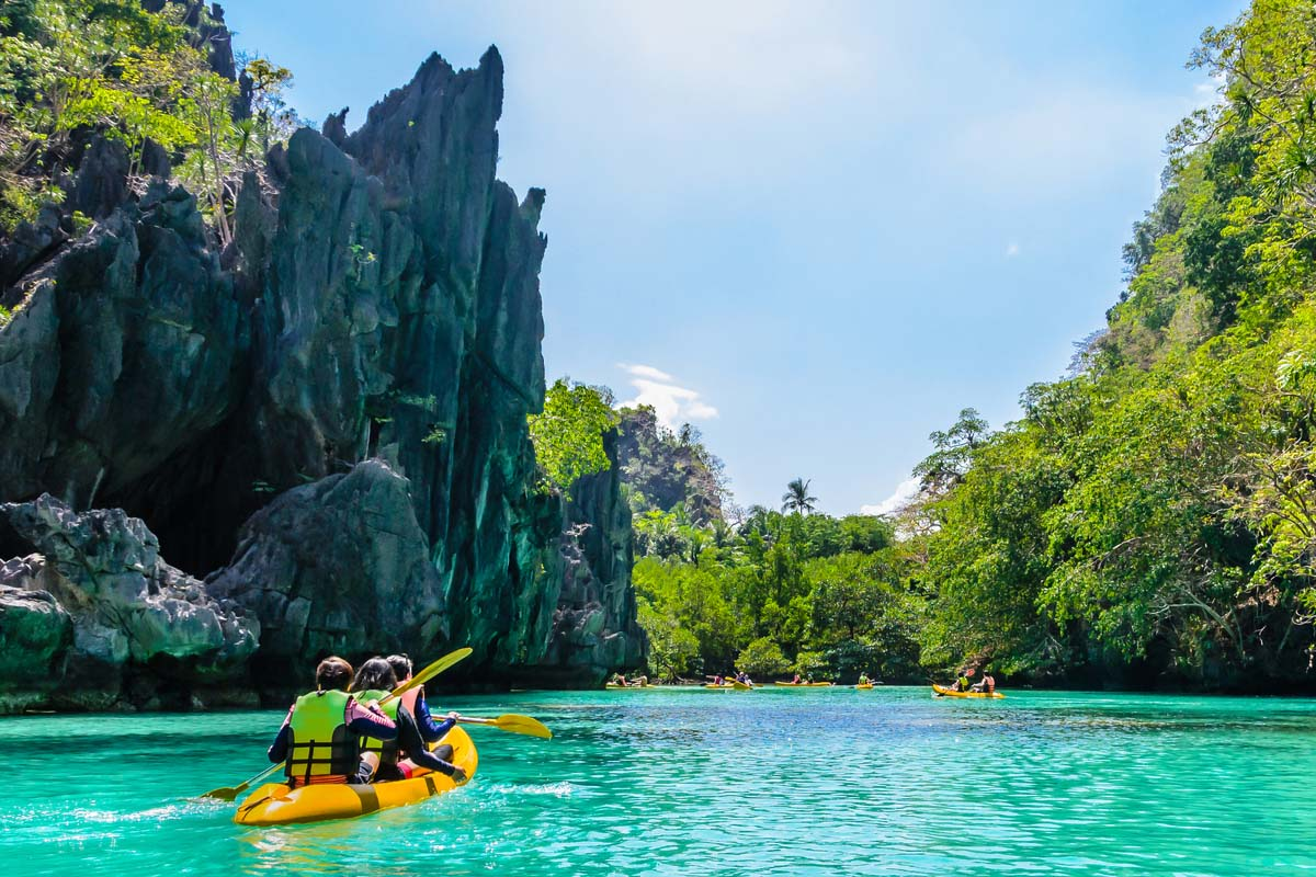 Kayaking in El Nido Palawan