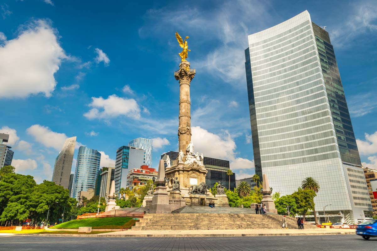 The Angel of Independence in the heart of Mexico City