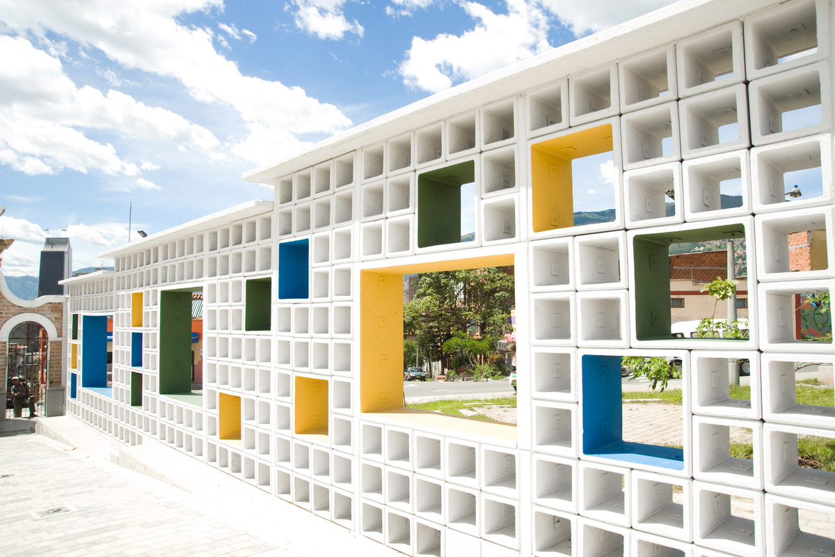 Facades and spaces of the San Lorenzo cemetery museum, Medellin