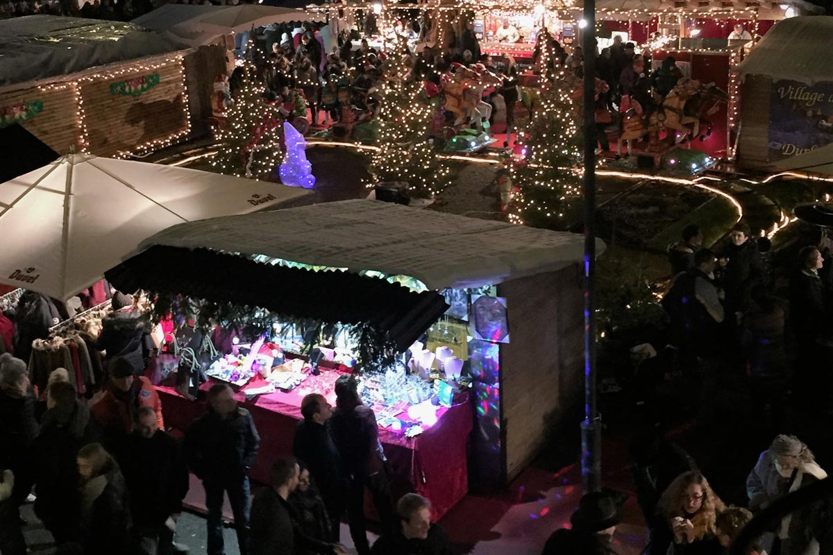 Durbuy Christmas market at night