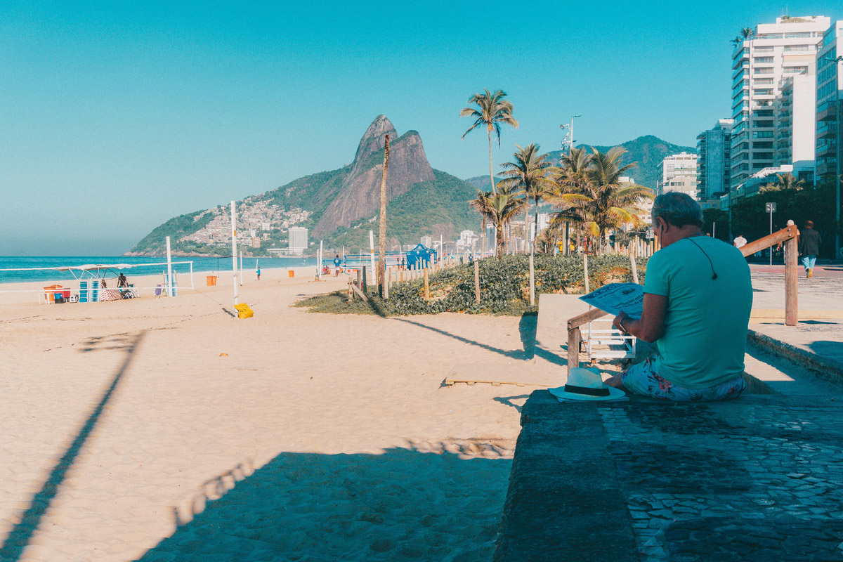 Early mornings in Ipanema beach