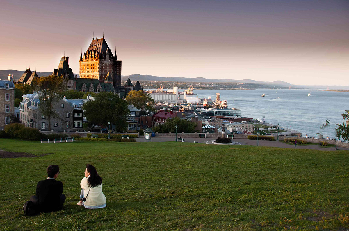 Start off your tour at the famous Fairmont Hotel, overlooking the Saint Lawrence River