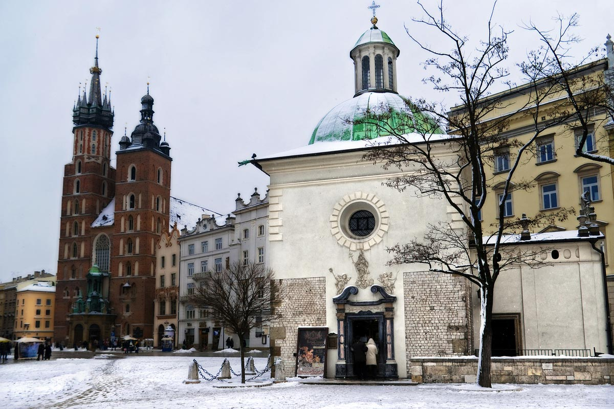 Square Krakow and St. Mary's Church in winter