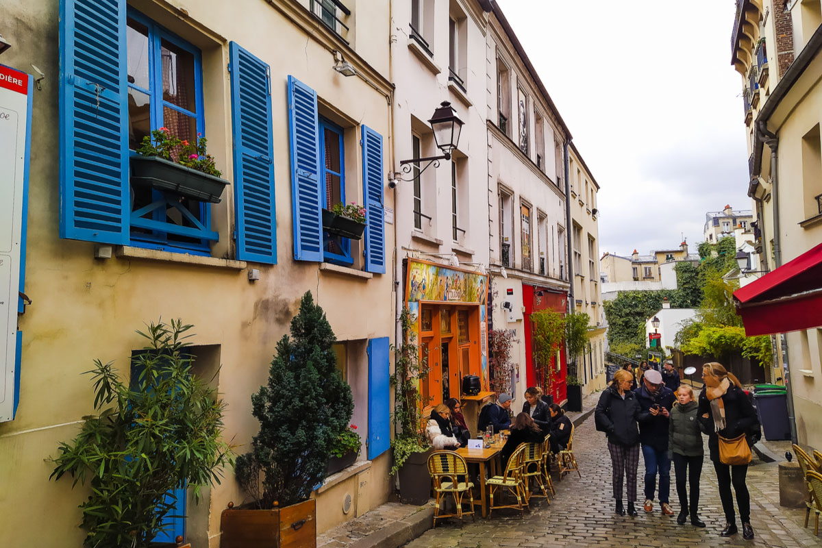 Visit the Montmartre district in Paris