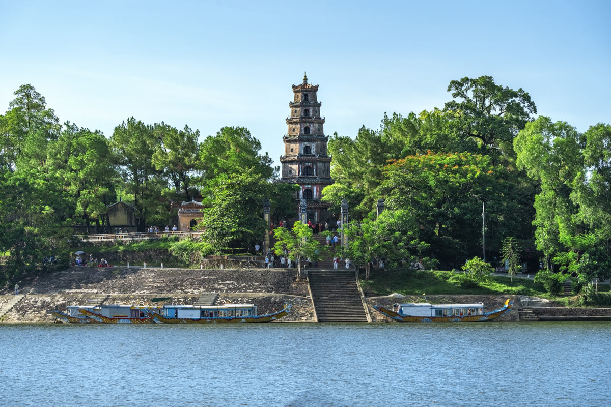 The Thien Mu Pagoda is one of the ancient pagoda in Hue city