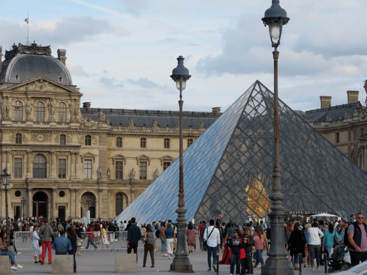 Sightseeing Louvre Paris advice first trip