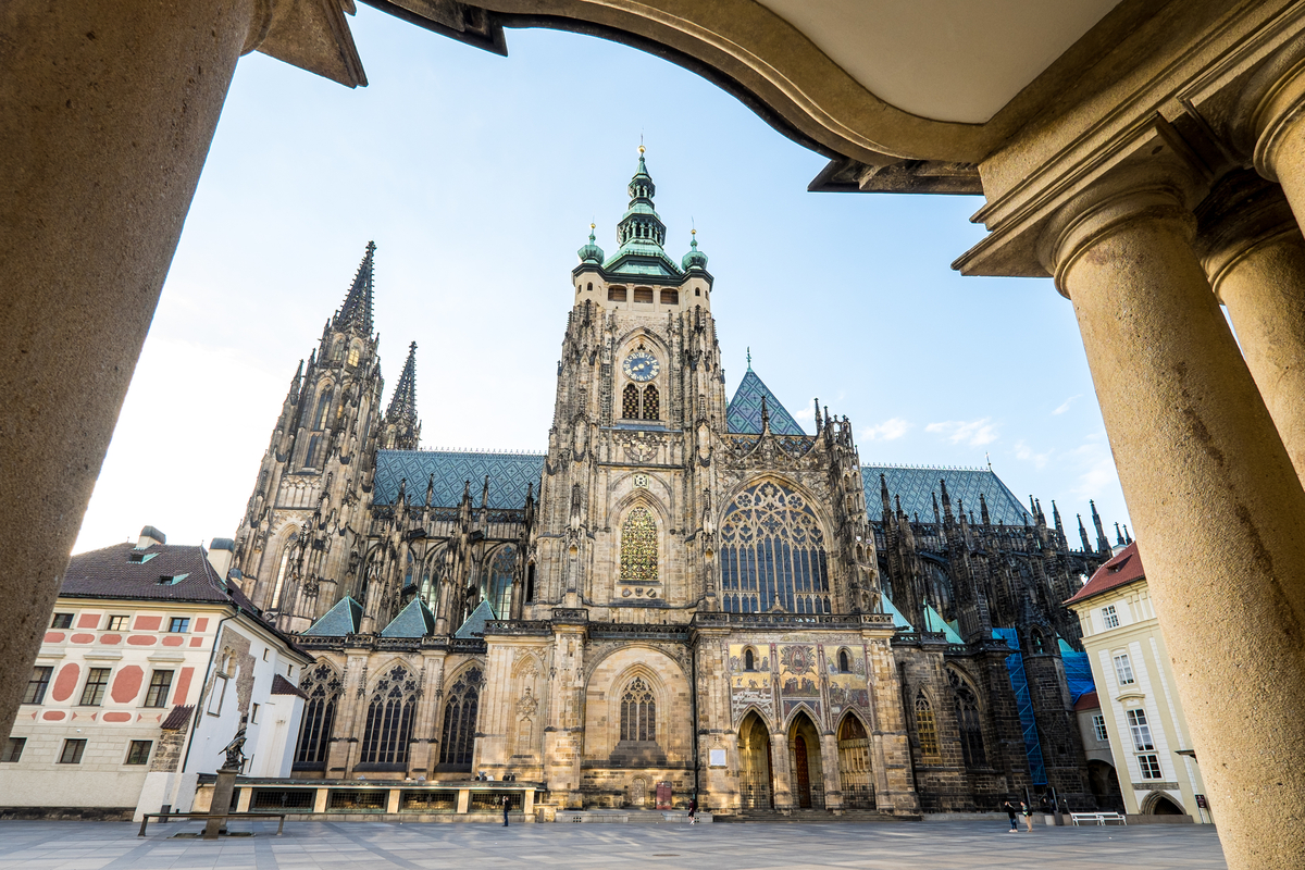 St Vitus Cathedral Prague Castle getting up early