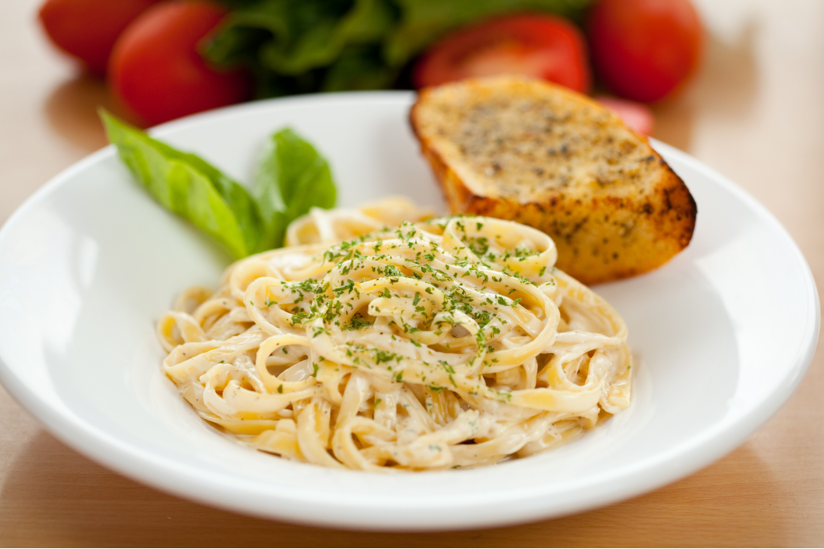 Simple Fettuccine Alfredo Italian food
